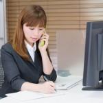 採用アウトソーシングをうける女性社員